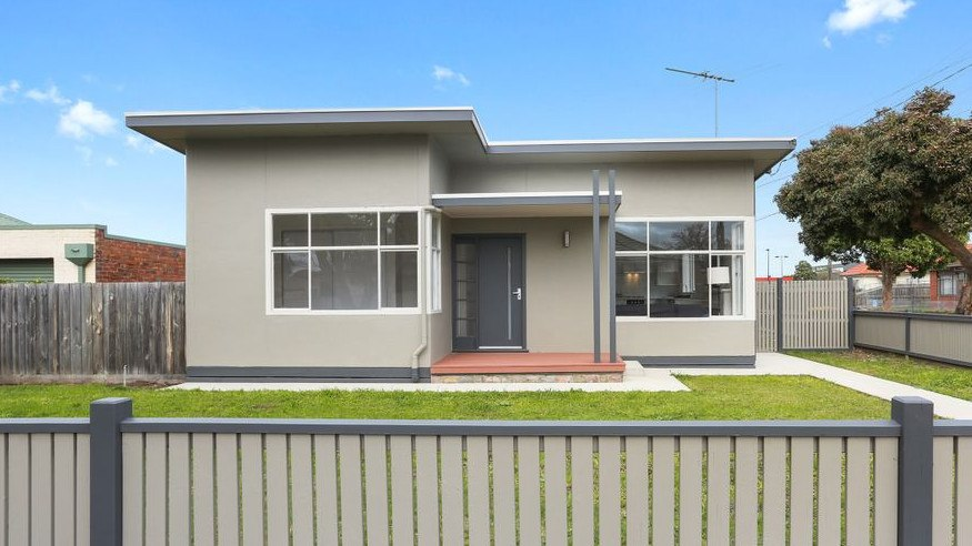 18 Charlotte Ave, Newcomb - For Geelong Addy