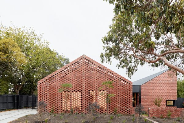 Located behind two Californian bungalows, Bardolph Gardens sits on a long-underutilized, subdivided lot. The most challenging aspect of the project was hooking the homes up to new service connections.