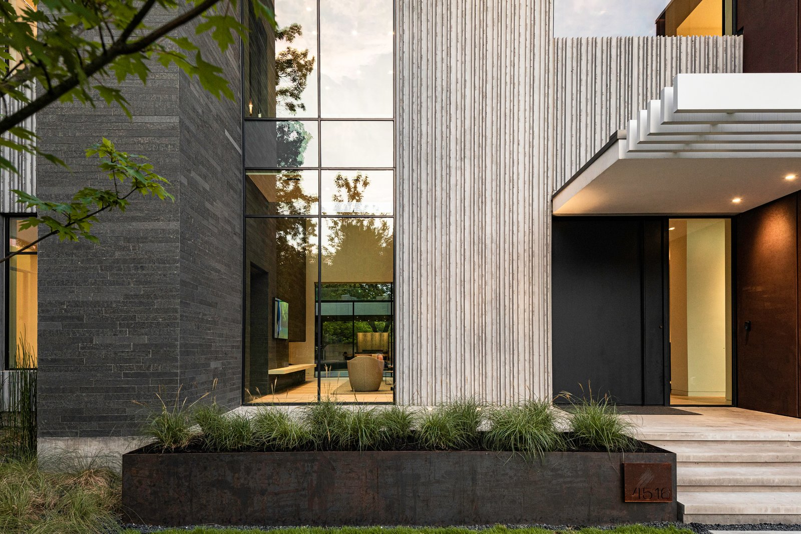 Taula House by M Gooden Design | Entry