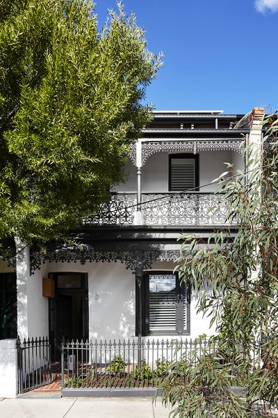 The Chamfer House is one of many Victorian terrace houses constructed from the 1880s to the 1890s in Melbourne.