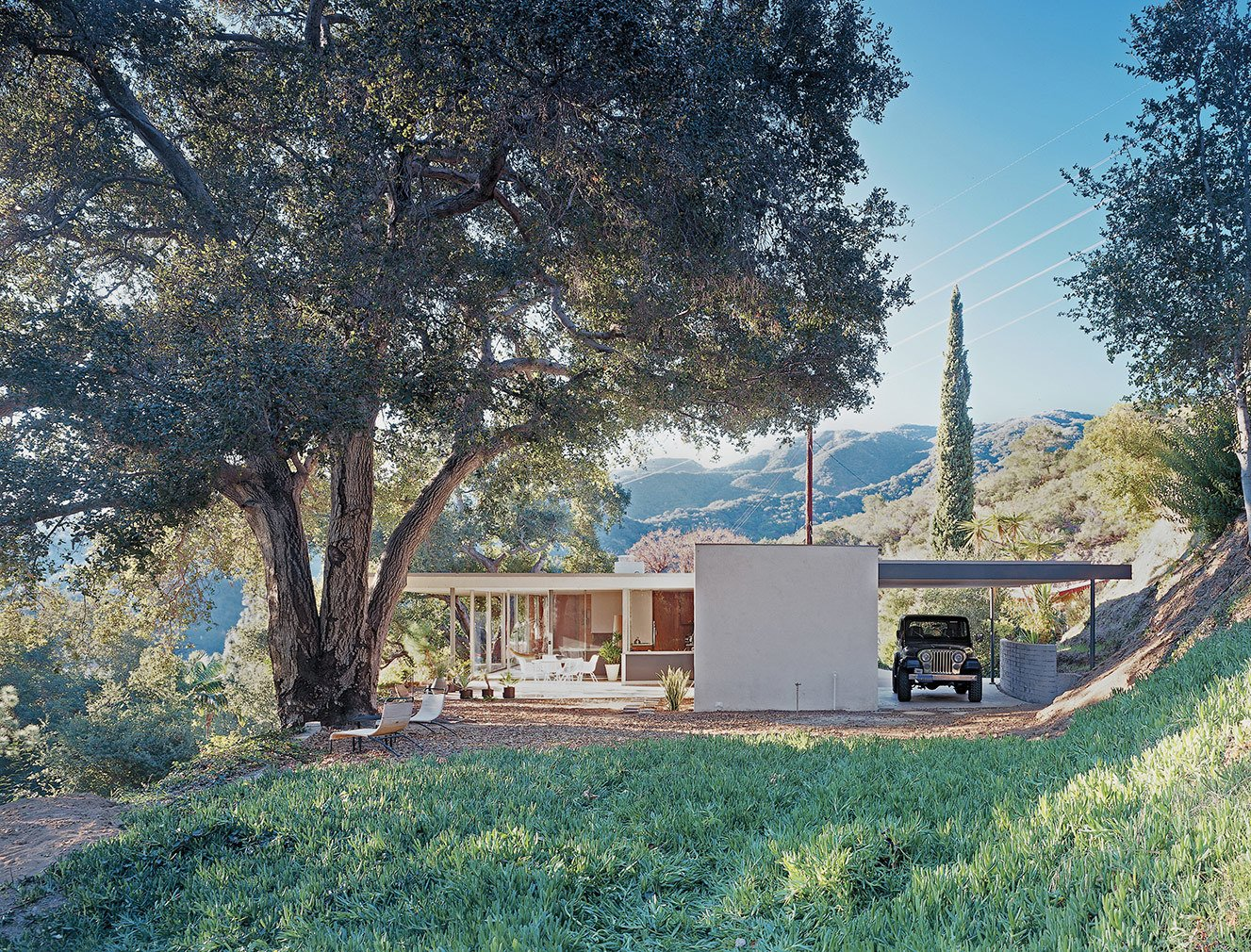 """The half-acre lot backs up to the <span style=""""font-family: Theinhardt, -apple-system, BlinkMacSystemFont, &quot;Segoe UI&quot;, Roboto, Oxygen-Sans, Ubuntu, Cantarell, &quot;Helvetica Neue&quot;, sans-serif;"""">Verdugo Mountains Open Space Preserve, affording the home complete privacy, as well as the enjoyment of local wildlife and the natural landscape.</span>"""