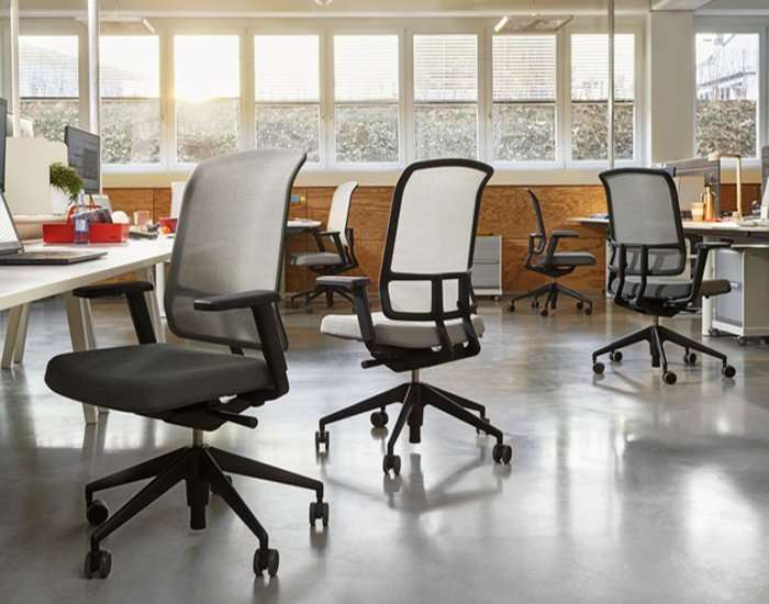 alberto meda's 'AM' chair for vitra is an economical tool for today's office needs