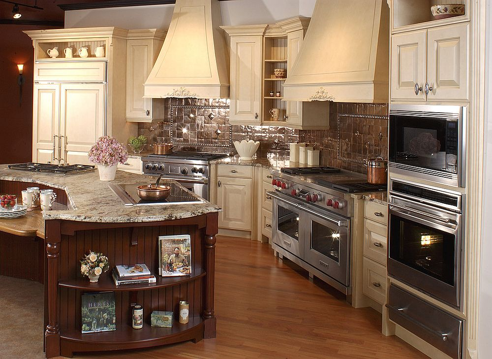 Copper tiled backsplash for the spacious, traditional kitchen [Design: Clarke Appliance Showrooms]