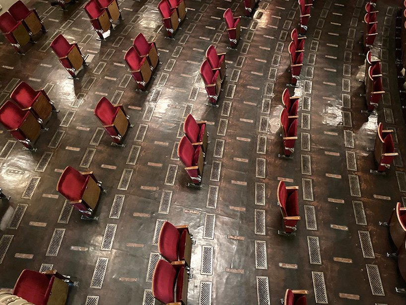 berliner ensemble removes seats from theater to guarantee social distancing