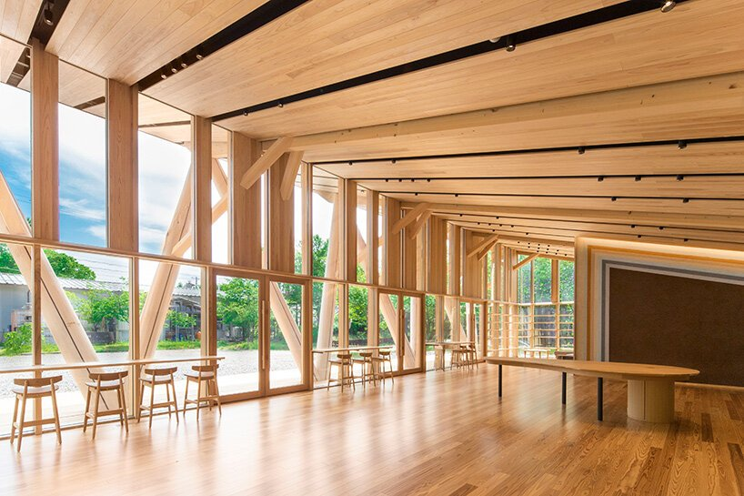 kengo kuma and associates completes 'morinos', a forest educational center in gifu