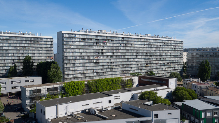 Transformation of 530 dwellings. Image © Philippe Ruault